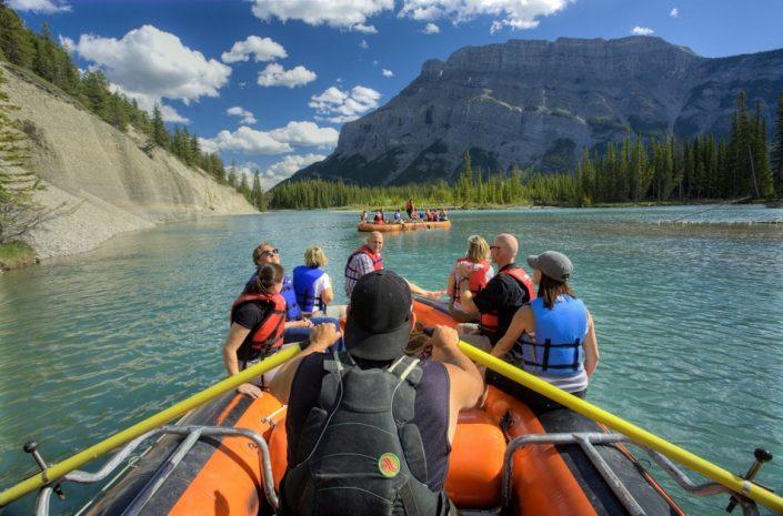 Kayak, baignade, zodiac, descente de rivière, canotage, etc.