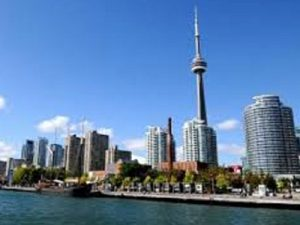 Le centre-ville de Toronto vu du lac Ontario