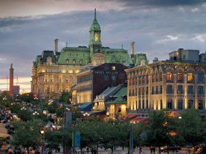 Place Jacques-Cartier et hôtel de ville, Montréal.