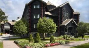 chateau montebello outaouais québec canada bois-rond